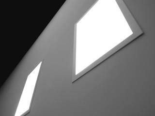 GIOCHI DI LUCE:  in stile  di Gianluca Falcinelli Architetto