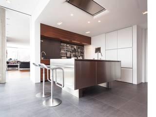 Cocinas de estilo moderno de Herzog-Architektur Moderno