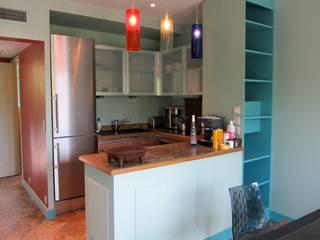 Appartement de 50m² Saint Jean Cap Ferrat: Cuisine de style  par Notes de styles Nancy