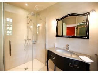 Appartement de 50m² Saint Jean Cap Ferrat: Salle de bains de style  par Notes de styles Nancy