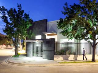SA Paredes y pisos de estilo moderno de NZA Moderno