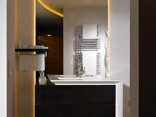 Détail salle de bain:  de style  par FiAri