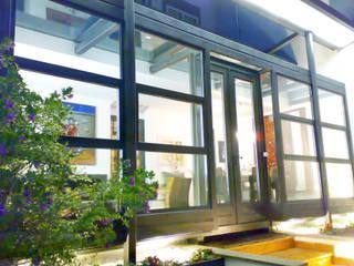 Prospettive naturali: Terrazza in stile  di Teresa Romeo Architetto