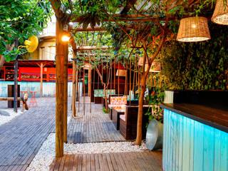 Ortho Estudio Tropische Bars & Clubs