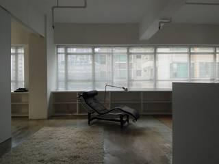 Minimalistische Wohnzimmer von atelier blur / georges hung architecte d.p.l.g. Minimalistisch