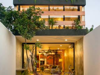 現代  by Desnivel Arquitectos, 現代風