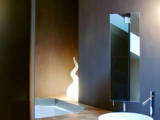 Phòng tắm phong cách tối giản bởi Andrea Bella Concept Tối giản
