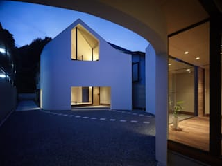 A House Made of Two Modern houses by Naf Architect & Design Modern