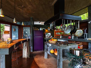 country Kitchen by Ferraro Habitat