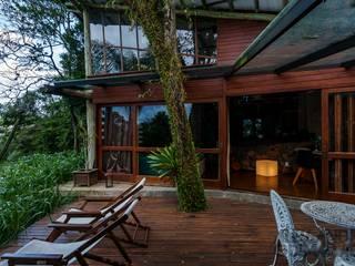 Wiejski balkon, taras i weranda od Ferraro Habitat Wiejski