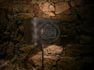 Lampadaire La table du comté:  de style  par elsa somano objets lumineux