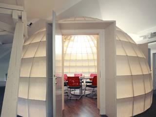 Raum im Raum  Meeting Kuppel:  Bürogebäude von Knelldesign