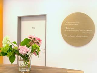 Arztpraxis für Pränatal Diagnostik nach Feng Shui gestaltet Architektur à la Feng Shui Geschäftsräume & Stores