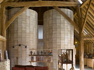 Feering Bury Farm Barn Salon original par Hudson Architects Éclectique