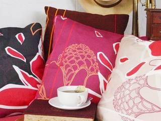 Coussins Rosa tropical:  de style  par Les Créations GENESIS