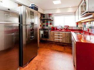 Cocinas de estilo  por Tikkanen arquitetura,