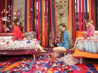 La colección de camas NATUZZI Italia lanzada con VOGUE Italia de NATUZZI - Andares Guadalajara Moderno