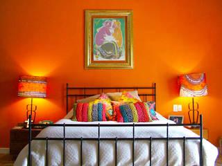 Dormitorios de estilo ecléctico por Erika Winters® Design