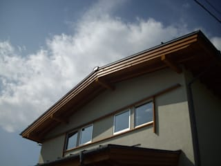 安曇野に薫る和(輪)の家: 設計室a‐rayが手掛けた家です。,カントリー