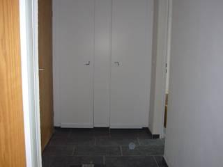 raum² - wir machen wohnen Pasillos, vestíbulos y escaleras de estilo industrial