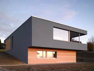 Wohnhaus Müller, Bellmund:  Häuser von Harttig Architekten
