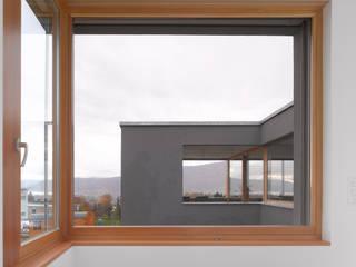 Wohnhaus Müller, Bellmund:  Schlafzimmer von Harttig Architekten