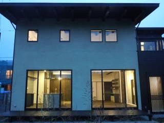 桑橋の家-大土壁の古民家ハウス: 青戸信雄建築研究所が手掛けた家です。,