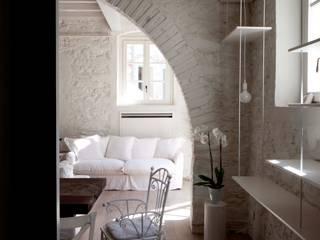 Architetto Silvia Giacobazzi Ruang Keluarga Gaya Rustic