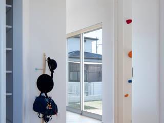 クライミングウォールのある家 オリジナルスタイルの 玄関&廊下&階段 の C lab.タカセモトヒデ建築設計 オリジナル
