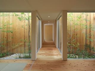 House of Nishimikuni arbol Modern Corridor, Hallway and Staircase