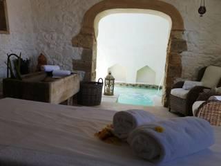 Naturalis Bio Resort & SPA:  in stile  di SYS PISCINE - Italian Style