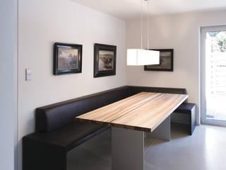 B8 - Townhouse tredup Design.Interiors Modern Dining Room