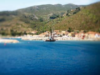 Capraia Isola: Case in stile in stile Mediterraneo di Beatrice Mancini