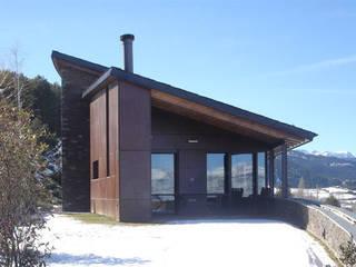 180º: Casas de estilo  de ARQUITECTES CERDANYA