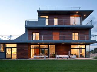 habitación con vistas: Casas de estilo moderno de hollegha arquitectos