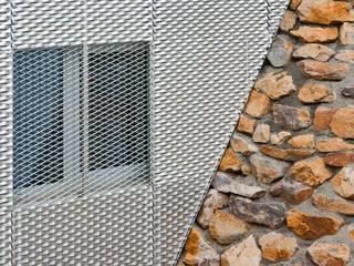 Reflecting Cube - Wohnhaus in Weinheim, Bergstrasse Moderne Wände & Böden von Helwig Haus und Raum Planungs GmbH Modern