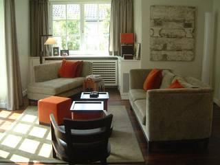 N19 - Cosy Family House tredup Design.Interiors Modern Living Room