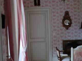 Au coeur de la Champagne, dans une magnifique gentilhommière....:  de style  par OSEZ décorer