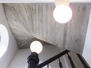 Betontreppe:   von Thommes Architekten