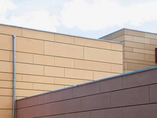 Drei Farben der Schule:   von Thommes Architekten