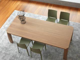 Slash tavolo:  in stile  di Colico Design