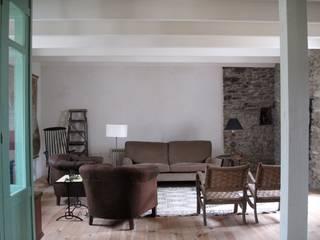 tredup Design.Interiors Modern Living Room