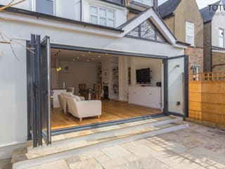Extension in Sheen, SW14 Modern houses by TOTUS Modern