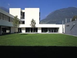 Istituto scolastico IPSIA Campus di Sondrio di LFL Architetti Minimalista