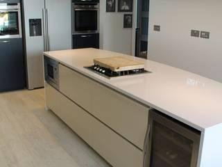 MR & MRS DELANEY'S KITCHEN:  Kitchen by Diane Berry Kitchens