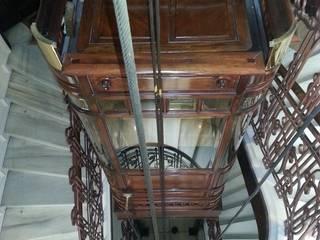 Restauración de ascensor de 1906 y adecuación a normativa vigente Pasillos, vestíbulos y escaleras de MARCO LÓGICO CONSULTORES SL