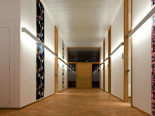 planlicht GmbH & Co KG Corridor, hallway & stairs Lighting