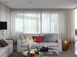 classic Living room by Lore Arquitetura