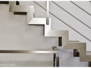 Projekty,  Korytarz, hol i schody zaprojektowane przez Ignazio Buscio Architetto,