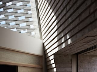SHIRASU Paredes e pisos modernos por ARAY Architecture Moderno